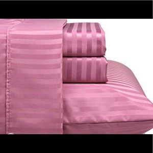 Pink queen sheet set